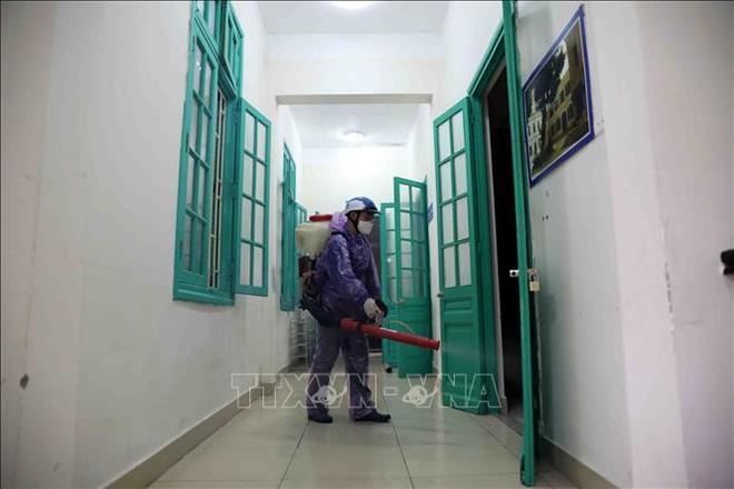 Các trường học Hà Nội tiến hành khử khuẩn lần thứ ba - ảnh 1