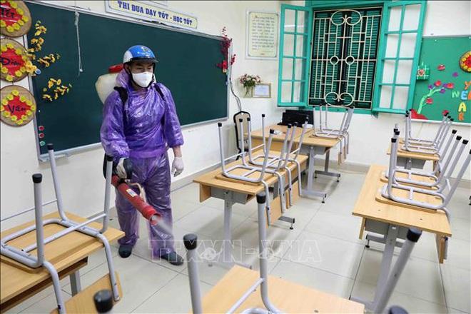 Các trường học Hà Nội tiến hành khử khuẩn lần thứ ba - ảnh 2