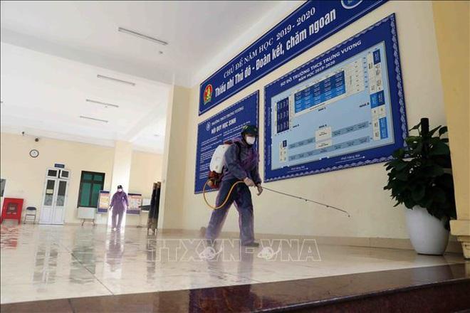 Các trường học Hà Nội tiến hành khử khuẩn lần thứ ba - ảnh 3