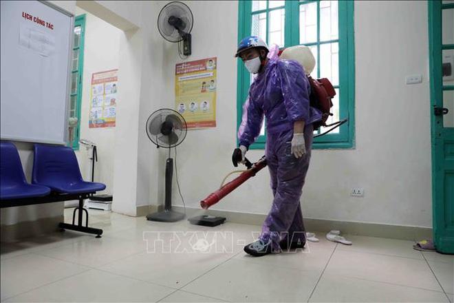 Các trường học Hà Nội tiến hành khử khuẩn lần thứ ba - ảnh 5