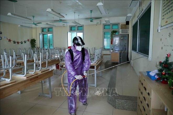 Các trường học Hà Nội tiến hành khử khuẩn lần thứ ba - ảnh 4