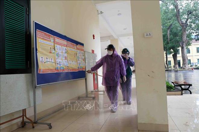 Các trường học Hà Nội tiến hành khử khuẩn lần thứ ba - ảnh 6