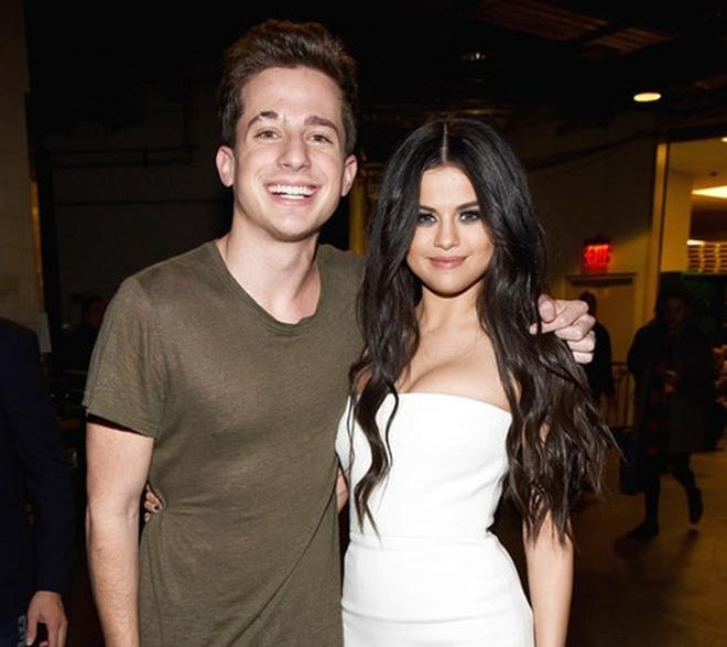 Từng cà khịa chửi đểu mãi, nay Charlie Puth lại ủng hộ album mới của Justin Bieber trong màn đối đầu với Selena Gomez: tình cũ của tình cũ là bạn is real? - Ảnh 4.