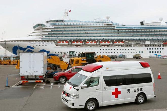 Mỹ sơ tán công dân khỏi du thuyền nhiễm Covid-19 - ảnh 1