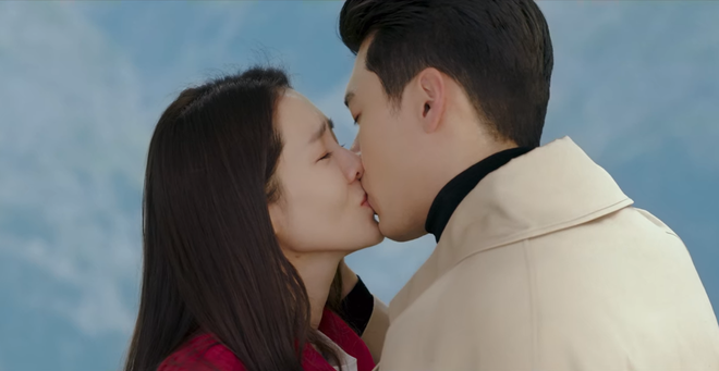 Vượt mặt bom tấn Goblin, Crash Landing on You cán mốc rating cao nhất lịch sử đài tvN - ảnh 2