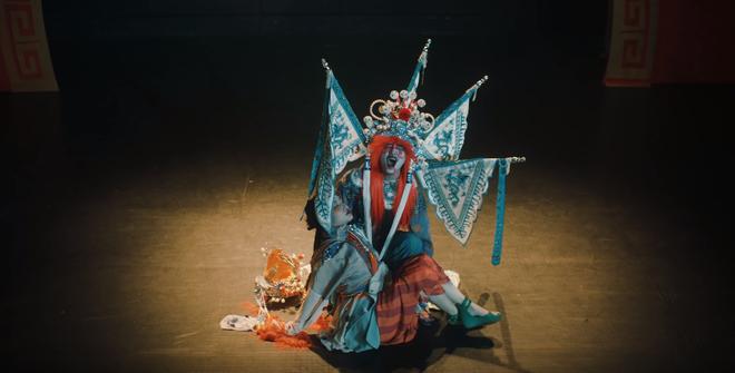 Hết dính phốt mượn hình ảnh, MV của Denis Đặng thực hiện cho Orange tiếp tục bị tố đạo nội dung phim kinh dị Hong Kong? - ảnh 5