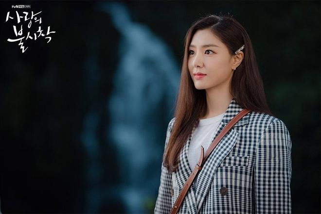 Nữ phụ đáng thương nhất Crash Landing On You gọi tên Seo Dan: Cả tuổi trẻ yêu sai người, khi chọn đúng lại phải lìa xa - ảnh 4