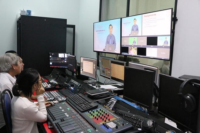 Không còn học online, một tỉnh yêu cầu học sinh học qua sóng truyền hình mỗi ngày! - ảnh 2