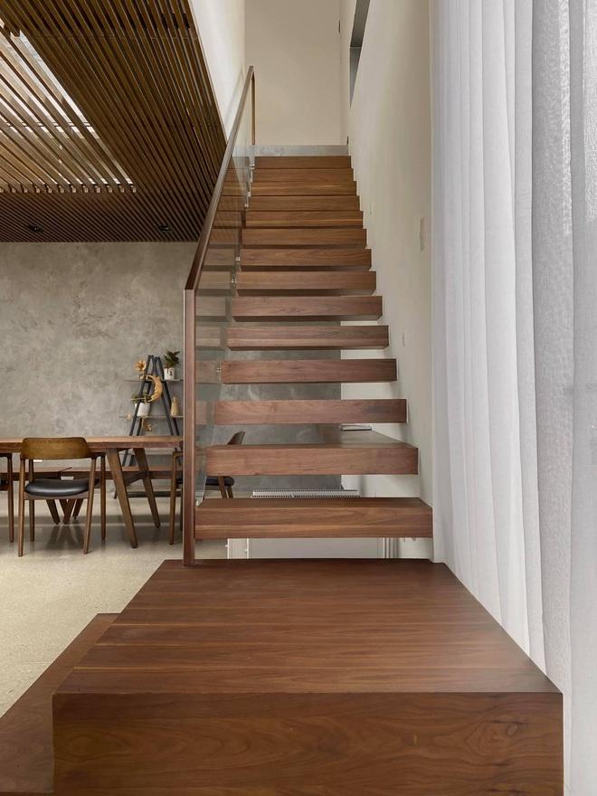 Mọi ngóc ngách trong biệt thự mới của Tóc Tiên tại Đà Lạt: Thiết kế hiện đại sang trọng, 90% đều bằng gỗ - ảnh 6