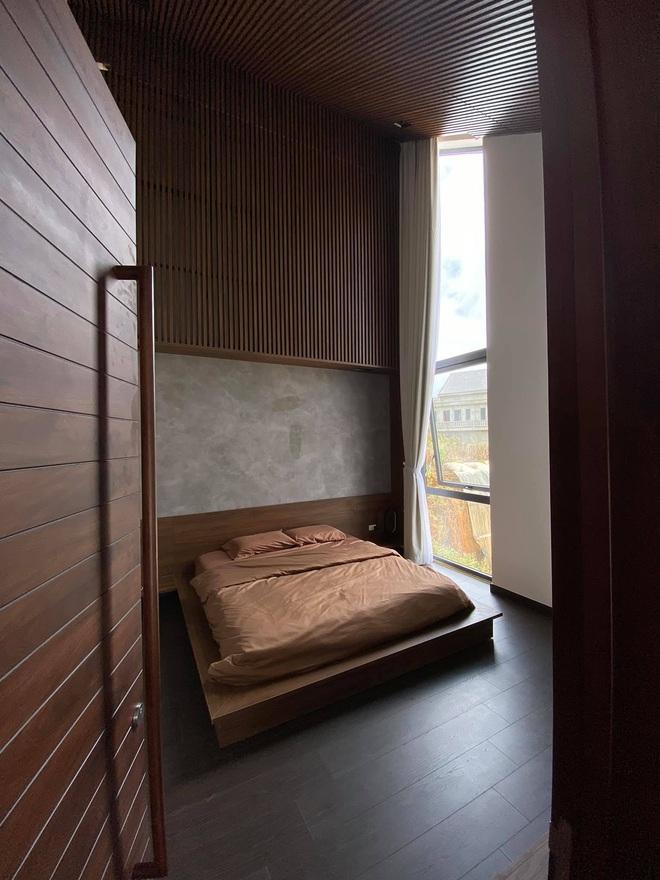 Mọi ngóc ngách trong biệt thự mới của Tóc Tiên tại Đà Lạt: Thiết kế hiện đại sang trọng, 90% đều bằng gỗ - ảnh 9