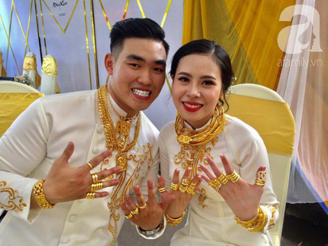 Tiết lộ thêm về đám cưới 2,5 tỷ hồi môn và 49 cây vàng đang gây sốt MXH: Cặp đôi quen nhau 8 tháng, gia đình nhà chú rể cũng không phải dạng vừa đâu - ảnh 2