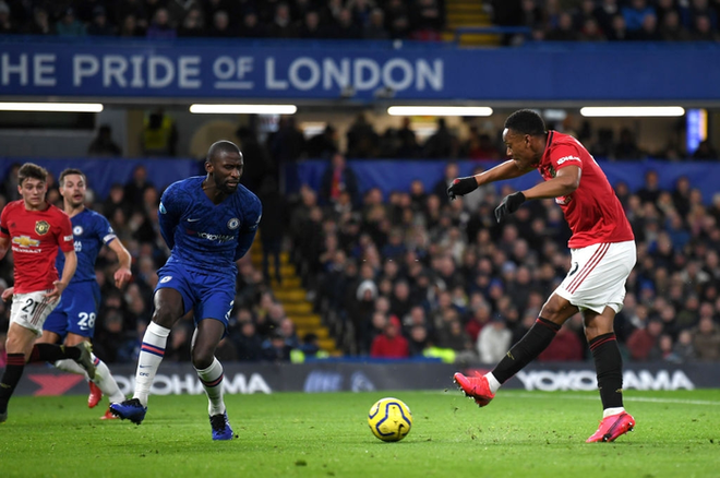 VAR hai lần tước bàn thắng, Chelsea nhận thất bại cay đắng ngay trên sân nhà trước Manchester United - Ảnh 3.