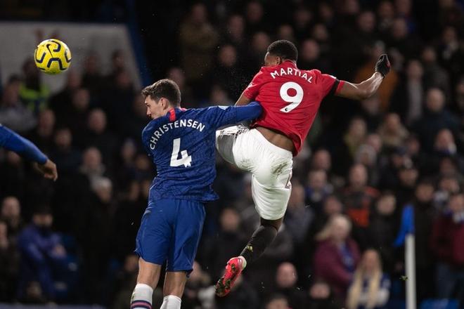 VAR hai lần tước bàn thắng, Chelsea nhận thất bại cay đắng ngay trên sân nhà trước Manchester United - Ảnh 4.