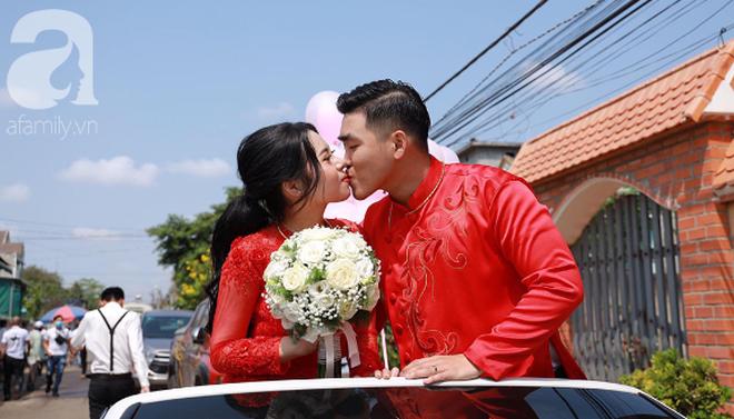 Tiết lộ thêm về đám cưới 2,5 tỷ hồi môn và 49 cây vàng đang gây sốt MXH: Cặp đôi quen nhau 8 tháng, gia đình nhà chú rể cũng không phải dạng vừa đâu - ảnh 7