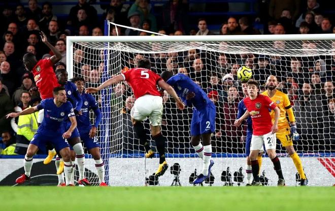 VAR hai lần tước bàn thắng, Chelsea nhận thất bại cay đắng ngay trên sân nhà trước Manchester United - Ảnh 8.
