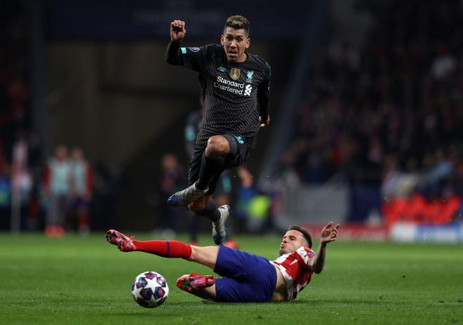 Sở hữu thống kê tệ hại, ĐKVĐ Liverpool nhận thất bại ở lượt đi vòng 1/8 Champions League - ảnh 1