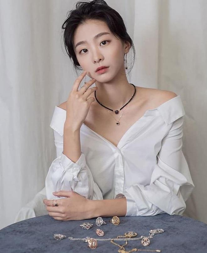 Sốc nặng vì chiều cao chuẩn siêu mẫu của điên nữ Tầng Lớp Itaewon, chị em vứt liêm sỉ đòi Kim Da Mi làm... chồng? - ảnh 12