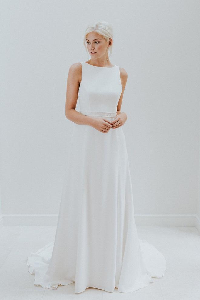 Tóc Tiên giấu váy cưới siêu kỹ nhưng thám tử mạng đã nhanh tay dò ra dáng váy tinh giản của cô, nom cũng hợp lý lắm - ảnh 4