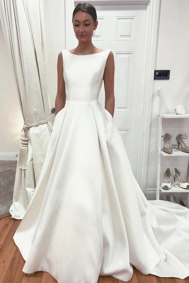 Tóc Tiên giấu váy cưới siêu kỹ nhưng thám tử mạng đã nhanh tay dò ra dáng váy tinh giản của cô, nom cũng hợp lý lắm - ảnh 8
