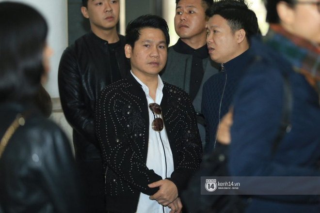 Xuân Bắc, Thanh Lam cùng dàn nghệ sĩ Việt không giấu được nỗi buồn, bật khóc trong tang lễ NSƯT Vũ Mạnh Dũng - ảnh 3