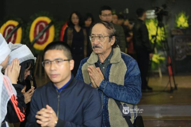 Xuân Bắc, Thanh Lam cùng dàn nghệ sĩ Việt không giấu được nỗi buồn, bật khóc trong tang lễ NSƯT Vũ Mạnh Dũng - ảnh 12
