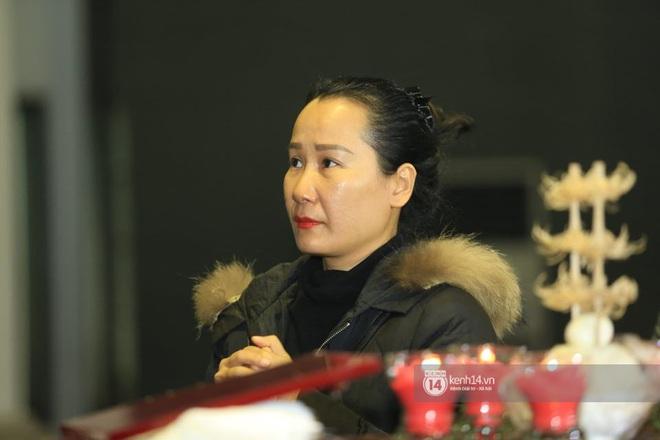 Xuân Bắc, Thanh Lam cùng dàn nghệ sĩ Việt không giấu được nỗi buồn, bật khóc trong tang lễ NSƯT Vũ Mạnh Dũng - ảnh 8