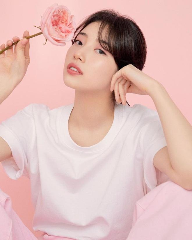 Cùng tạo dáng kiểu môi hở răng lạnh, tình đầu quốc dân Suzy bị cho là bắt chước đàn em Jennie - Ảnh 8.