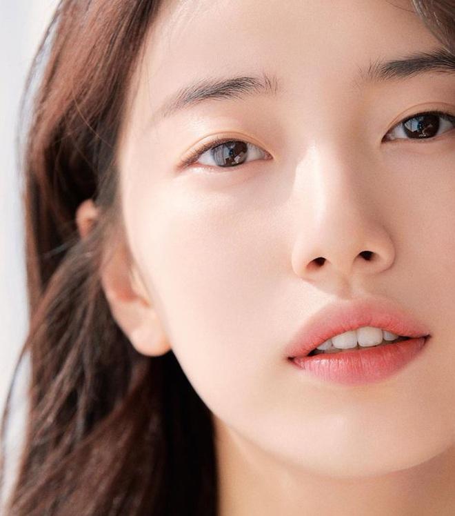 Vừa tung bộ ảnh tạp chí mới, Suzy đã bị tố bắt chước kiểu môi hở răng lạnh của Jennie (BLACKPINK): Liệu có đúng là copy? - ảnh 6