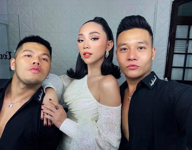 Bộ đôi LGBT nổi tiếng từng hợp tác với toàn sao cỡ bự Vbiz cầu hôn trong đám cưới Tóc Tiên sau 8 năm yêu - ảnh 8