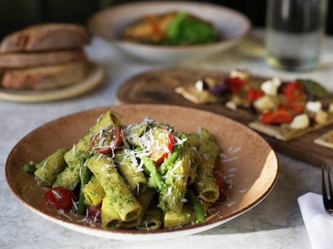 Đầu bếp lừng danh Gordon Ramsay chế biến pasta trái ngược hoàn toàn với cách mà người Ý làm, lý do thật sự là gì? - Ảnh 3.