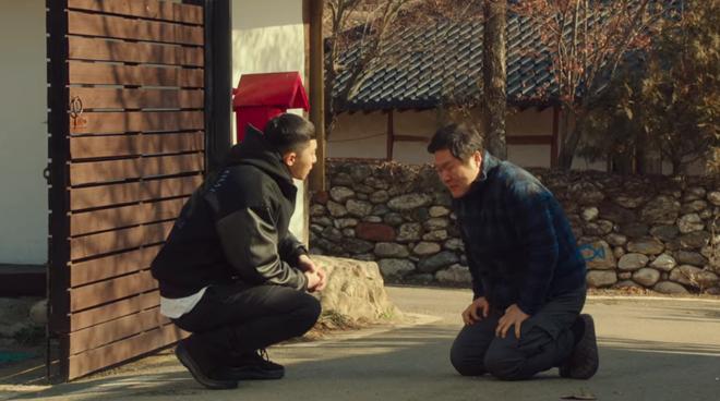 Hết lợi dụng đụng chạm crush, điên nữ Tầng Lớp Itaewon tuyên bố xử sạch kẻ nào dám sờ tới crush ở tập 7 - ảnh 6