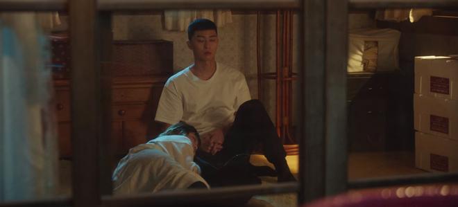 Hết lợi dụng đụng chạm crush, điên nữ Tầng Lớp Itaewon tuyên bố xử sạch kẻ nào dám sờ tới crush ở tập 7 - ảnh 7