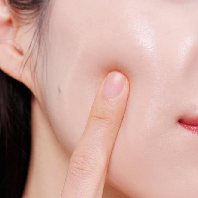 Chuyên gia lên lịch chăm sóc da cho cô dâu, quan trọng nhất là tips đắp mặt nạ và uống nước vào ngày cưới - ảnh 3