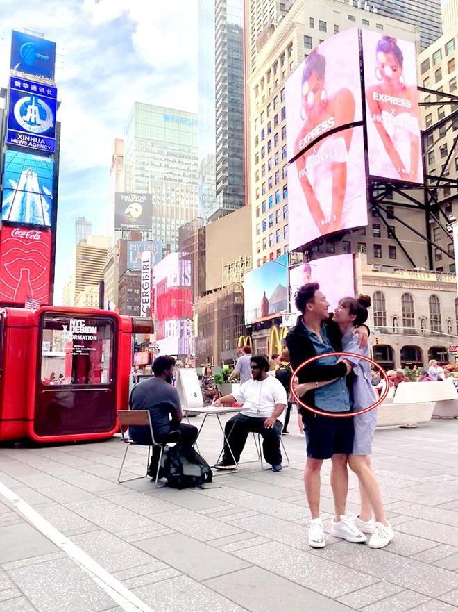 """Tung ảnh du lịch New York sang chảnh bên bà xã, Trấn Thành gây xôn xao vì gương mặt: """"Đuông dừa"""" năm xưa giờ gầy guộc, xanh xao đáng lo - ảnh 7"""
