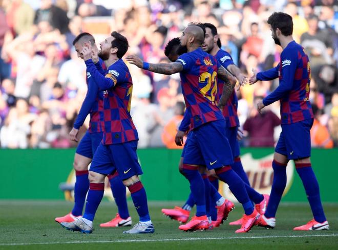 Sau mạch tịt ngòi dài nhất suốt 6 năm qua, Messi bùng nổ với 4 bàn thắng để đạt cột mốc vô tiền khoáng hậu trong lịch sử bóng đá thế giới - ảnh 8