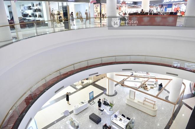 HOT: Cửa hàng UNIQLO Hà Nội sẽ chính thức khai trương vào 6/3, các tín đồ shopping chuẩn bị thóc đi là vừa - ảnh 4