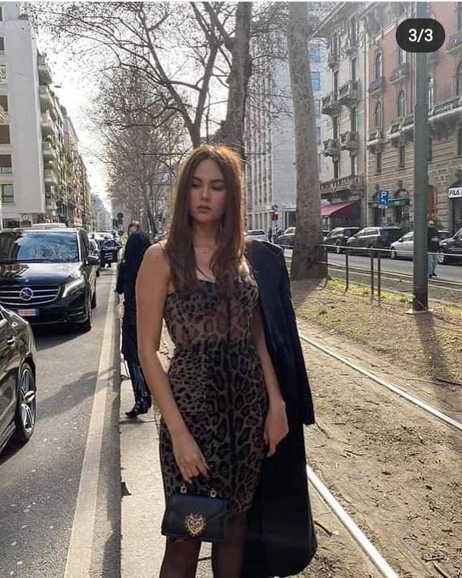 Pha đụng hàng tại trận: Catriona Gray diện đầm y hệt siêu mẫu Ý tại show Dolce & Gabbana, người an toàn người chất chơi - ảnh 2