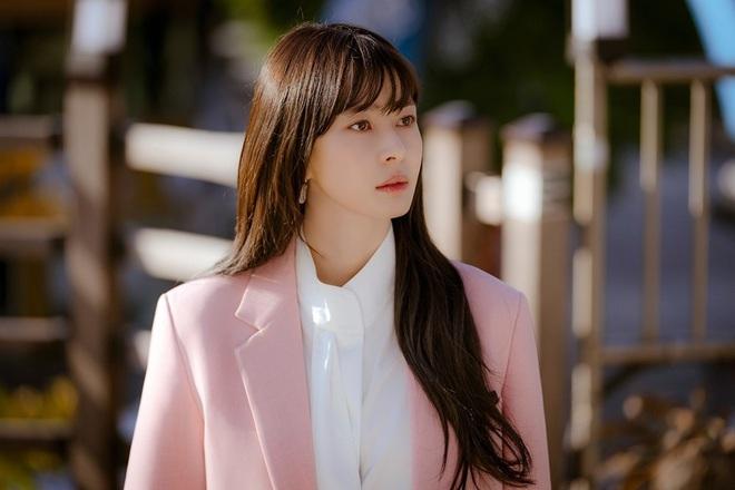 """Soo Ah của """"Itaewon Class"""": Trong phim để mái thưa trẻ xinh, ngoài đời còn có nhiều kiểu tóc khí chất hơn nhiều - ảnh 6"""