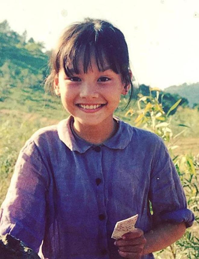 Nhìn lại vai diễn khởi nghiệp 5 mỹ nhân màn ảnh Việt: Thanh Hằng tắm trắng thành công, Chi Pu xinh xuất sắc từ đầu - Ảnh 16.