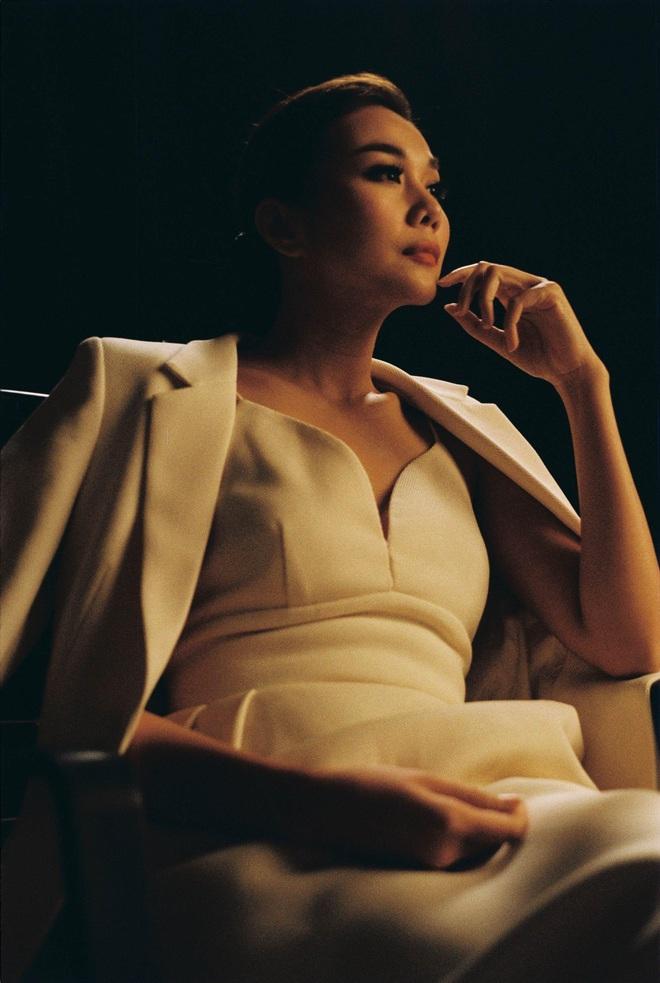 Nhìn lại vai diễn khởi nghiệp 5 mỹ nhân màn ảnh Việt: Thanh Hằng tắm trắng thành công, Chi Pu xinh xuất sắc từ đầu - Ảnh 2.