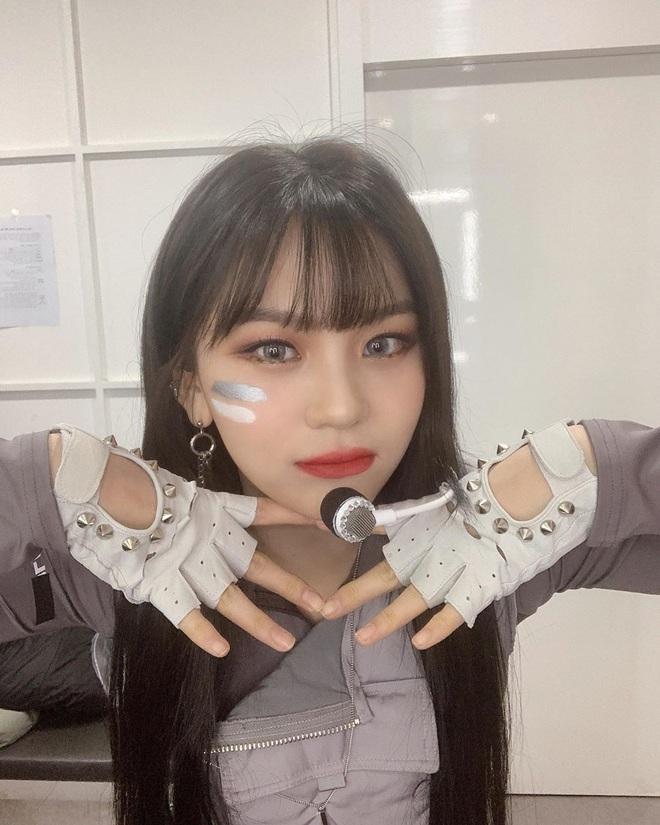 Vẫn biết Umji (G-Friend) đã lột bỏ mác nữ idol xấu nhất lịch sử Kpop nhưng thay đổi ngoạn mục đến thế này thì đúng là ngỡ ngàng - Ảnh 2.