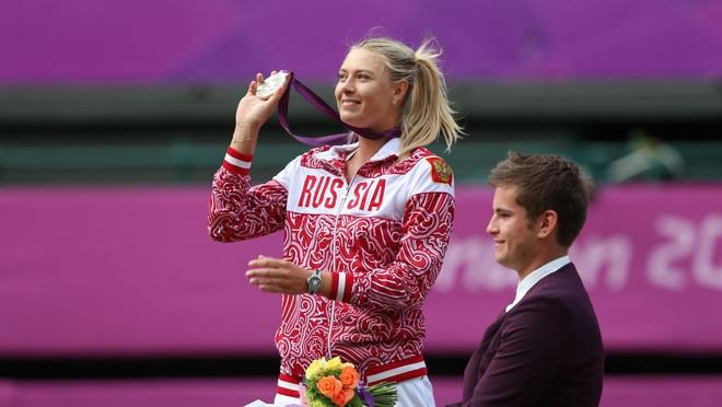 Nữ thần Maria Sharapova chính thức giải nghệ: Cùng nhìn lại những bức ảnh đáng nhớ trong sự nghiệp của nữ VĐV tennis quyến rũ bậc nhất lịch sử - ảnh 10