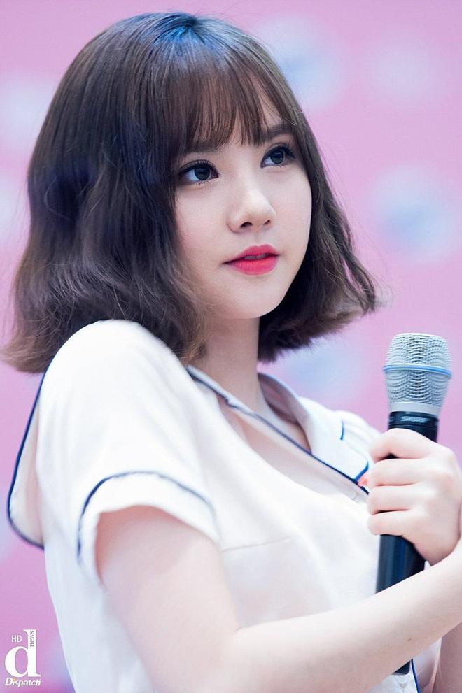 8 nàng búp bê sống của Kpop: Lisa đẹp siêu thực, mỹ nhân đẹp nhất thế giới năm 2019 Tzuyu có đọ lại nổi dàn nữ thần đàn chị? - Ảnh 25.