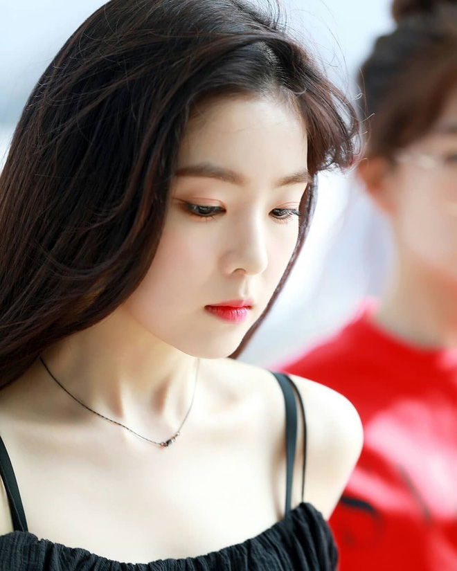 8 nàng búp bê sống của Kpop: Lisa đẹp siêu thực, mỹ nhân đẹp nhất thế giới năm 2019 Tzuyu có đọ lại nổi dàn nữ thần đàn chị? - Ảnh 22.
