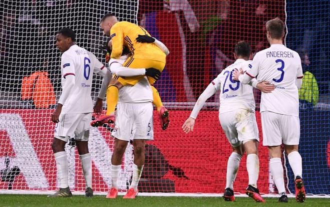 Thi đấu bạc nhược, Ronaldo và Juventus nhận thất bại ê chề ở lượt đi vòng 1/8 Champions League - ảnh 8