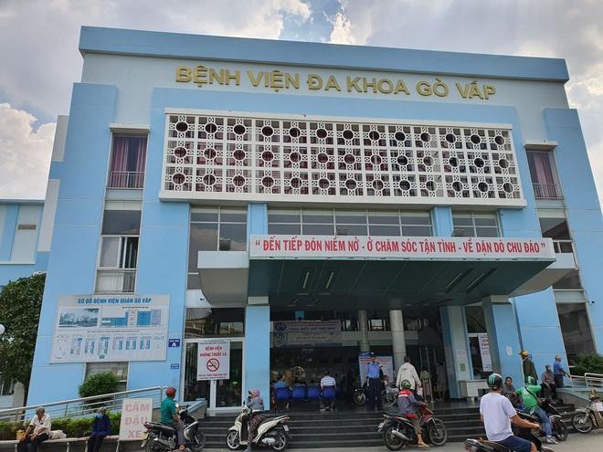 Vụ Giám đốc bệnh viện quận Gò Vấp bị tố thu gom khẩu trang bán ra nước ngoài để kiếm lời: Sở Y tế lên tiếng - Ảnh 1.