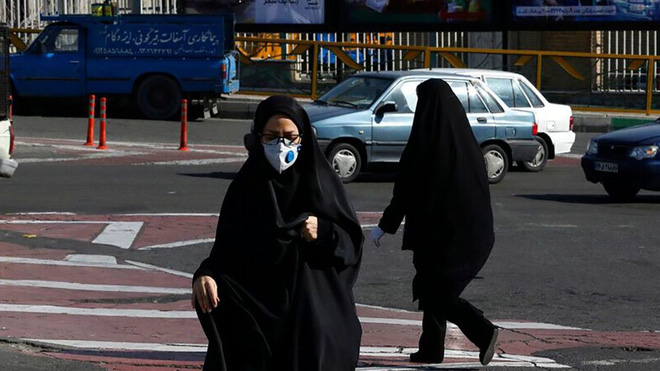 Tin uống rượu diệt được virus corona, hàng chục người Iran thiệt mạng vì ngộ độc cồn - Ảnh 2.