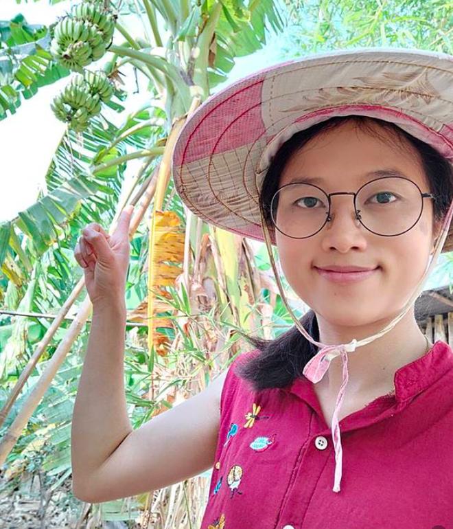 Tự cách ly giữa mùa dịch Covid-19, cô gái trở thành food blogger nổi tiếng vì ngày nào cũng bày biện nấu nướng… trong vườn nhà - Ảnh 4.