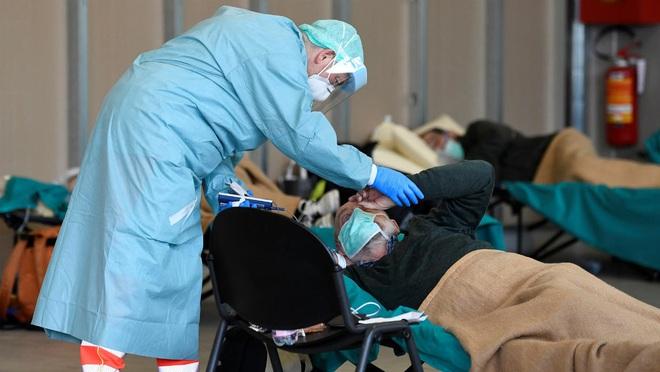 Đại dịch Covid-19 tại Ý: Tăng kỷ lục 250 người chết trong ngày, tổng cộng hơn 17660 ca nhiễm virus corona - Ảnh 2.