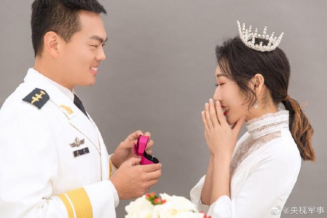 Cảm động lời ước hẹn của nữ y tá Trung Quốc: Ra khỏi Lôi Thần Sơn, em sẽ là cô dâu hạnh phúc nhất của anh! - Ảnh 3.